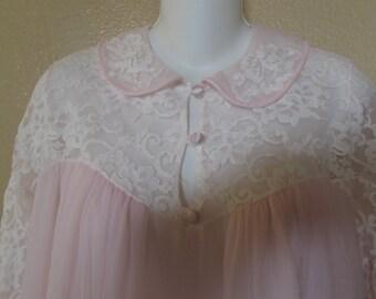 Pink Peignoir / Robe/ Vintage robe/ Vintage Lingerie