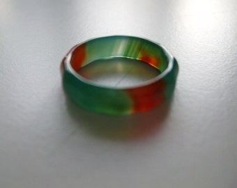 A Green and Red Banded Agate Ring size T U.K or 91/2 U.S.A and 5mm in width