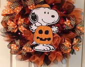 Lighted Happy Halloween Snoopy Peanuts Wreath