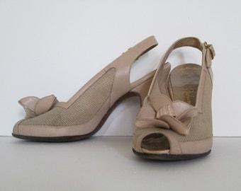 SALE Vintage 1940's 1950's tan high heel shoes sling back peep toe pumps 6 1/2 A La Rue Last Palizzio New York Corpus Christi Texas
