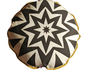 Round pillow in soft light weight canvas cotton and linen 2 sided, 17 inches  Included insert 100% feather
