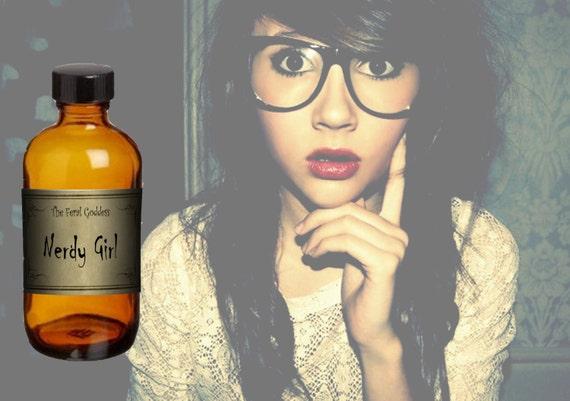 Nerdy Girl Perfume Oil - Primary Notes of Oakmoss & Blood Oranges - 4 ml Vial