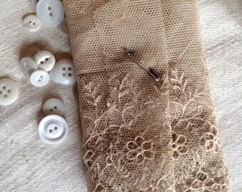 Beautiful vintage-antique wide lace, perhaps Victorian.