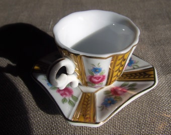 Mini cup, porcelain decorated, by collection