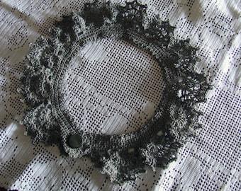 Crocheted linen collar
