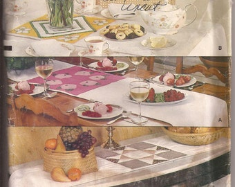 Vogue 8691  Quilted Table Runners Pattern