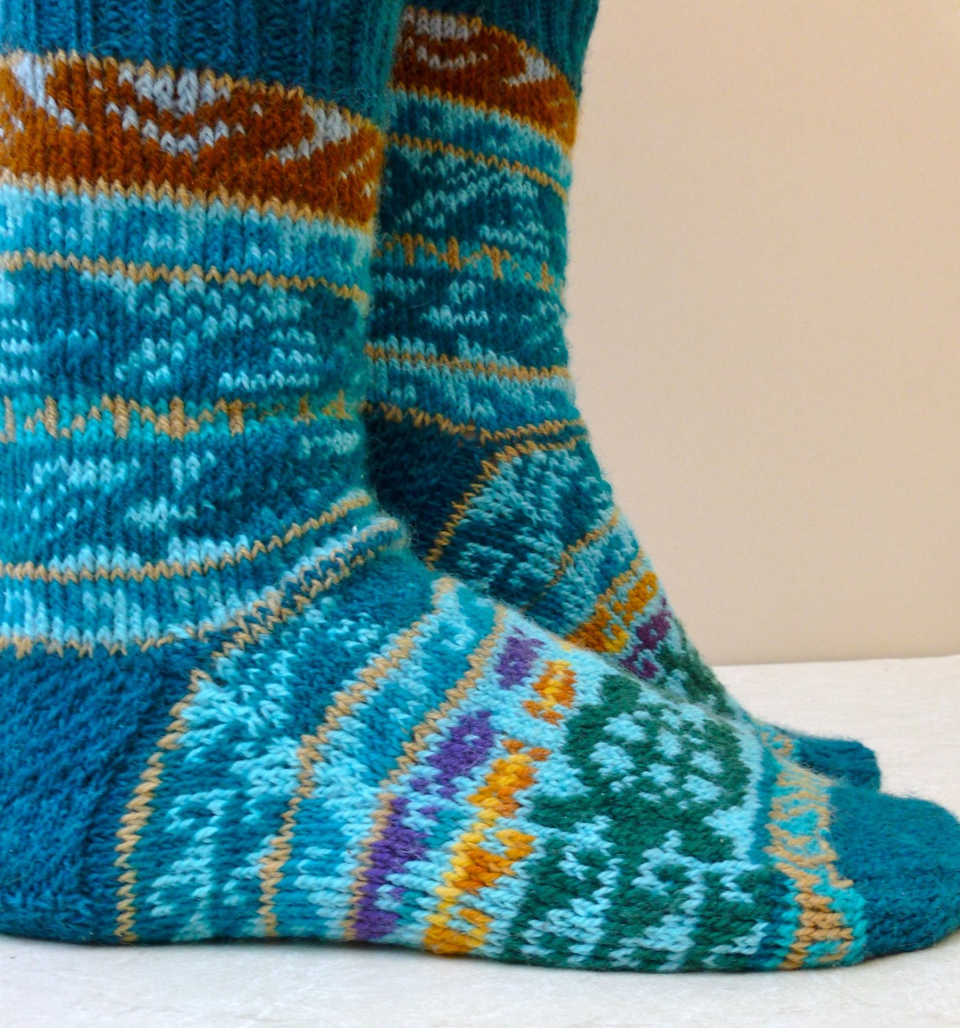 Digital Knitting Patterns : Pacific Rim Socks Digital Knitting Pattern by KunstwerkDesigns