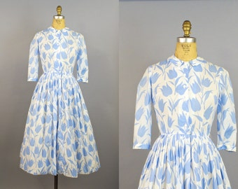 Tiptoe Through The Tulips / 50s Dress /1950s Floral Dress