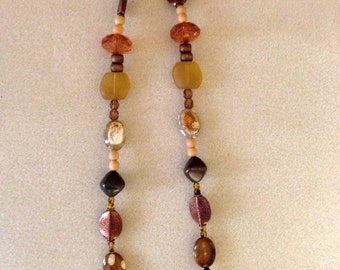 Copper accented necklace
