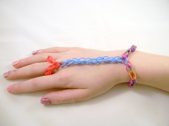 Rainbow Loom Ring Attached To Bracelet