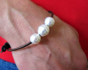 South Sea White Pearl Bracelet - leather and pearl bracelet - white pearl bracelet - pearl leather wrap bracelet - leather and pearl jewelry