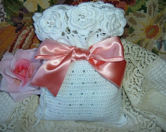 Crochet bag. Door gifts. Shabby chic. Gift to crochet. Cotton bag. Romantic style with lace. Trimmed with roses