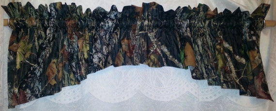 Curtain valance made with mossy oak camouflage