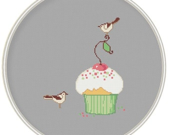 Counted cross stitch pattern, Instant Download, Free shipping, Cross-Stitch PDF, Muffin with bird, Cute bird