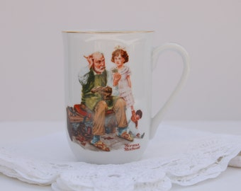 Vintage Collectible Norman Rockwell Cup.The Cobbler 1982.Gift boxed.