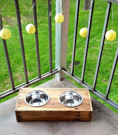 Wood pallet dog or cat dish holder reclaimed by - Panier pour chien en bois ...