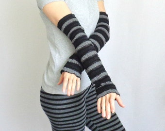 black long arm warmers stripped arm covers fingerless gloves tatoo covers long sleeve armwarmers party gothic clothing punk lolita ruffles