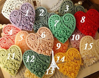 15  Colors Heart-Shaped Resin Flowers, Zakka,Beautiful Green Crystal Resin Accessories, 45mmx50 mm