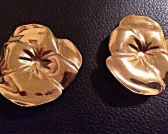Classic Vintage 1950-60's flower Clipon Earrings