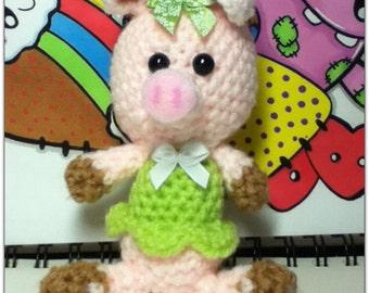 Crochet amigurumi piglet