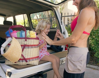 TwoMorePockets – MOM'S need their hands free and TwoMorePockets makes that a reality!