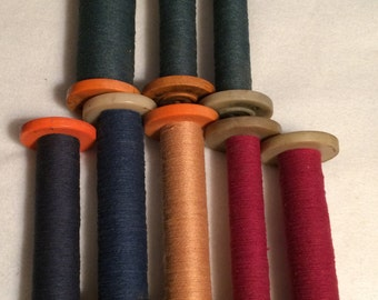 Lot of 8 Vintage Bobbins with Thread