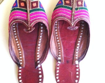Indian embroidered slippers size 6.5