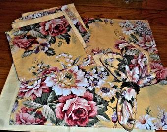 Ralph Lauren Napkins/ Big, Bold Flowers on Yellow Background/ Yellow Liners