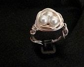 Unique 3 Pearl Nest Ring