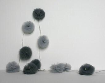 10 Led - Light string of PomPoms in tulle light grey and dark grey