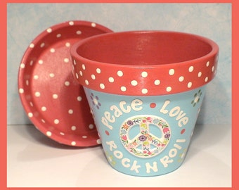 Flower Power 4.5 in Hand-painted Flower Pot and Saucer