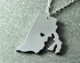 Free shipping - I  heart Rhode island  Necklace - Rhode island Pendant - State Necklace - State Charm - Map necklace - Map Jewelry