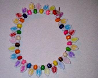Coloured leaf bead bracelet