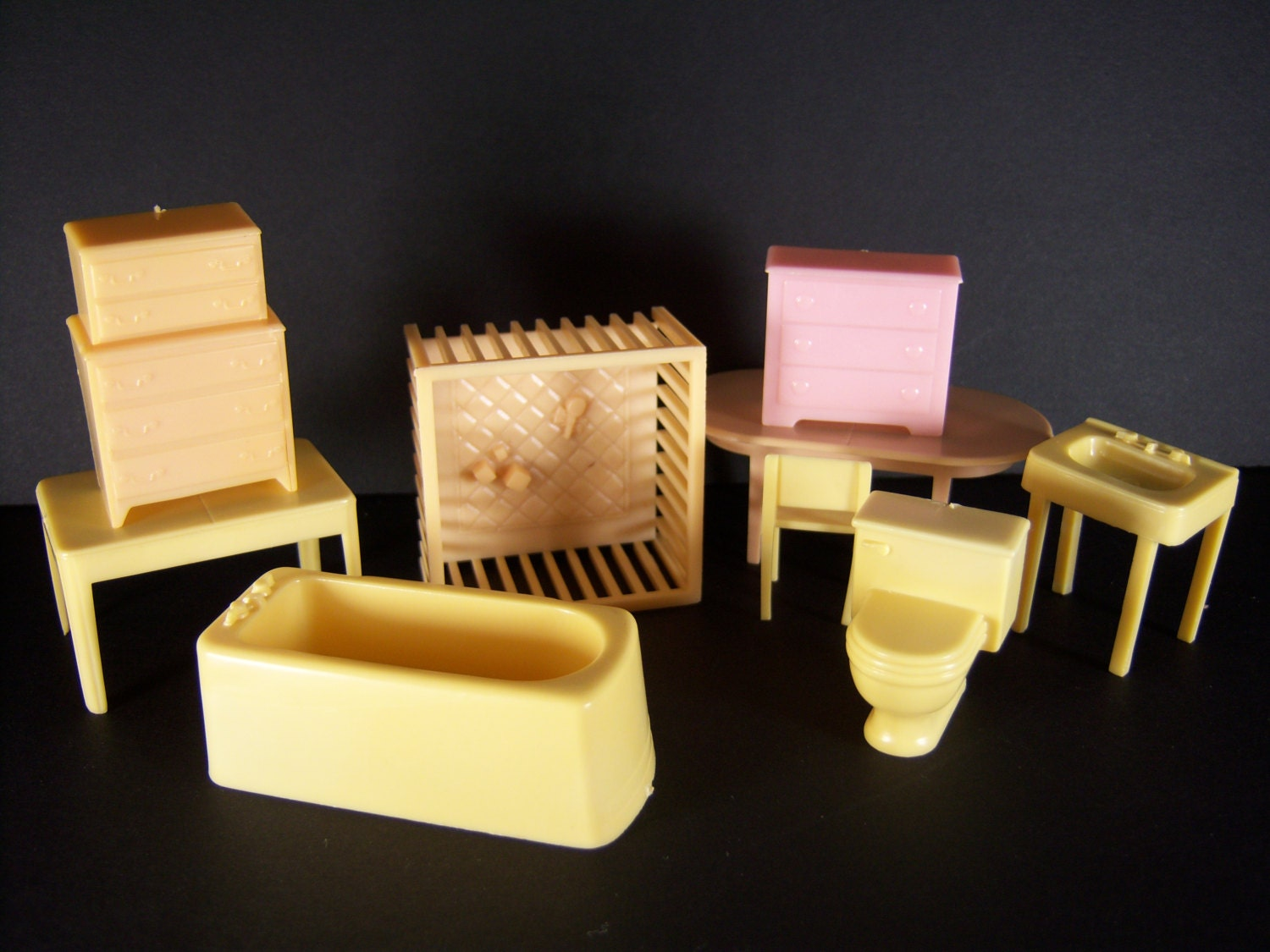 Plastic Dollhouse Furniture From The 50 39 S Or 60 39 S