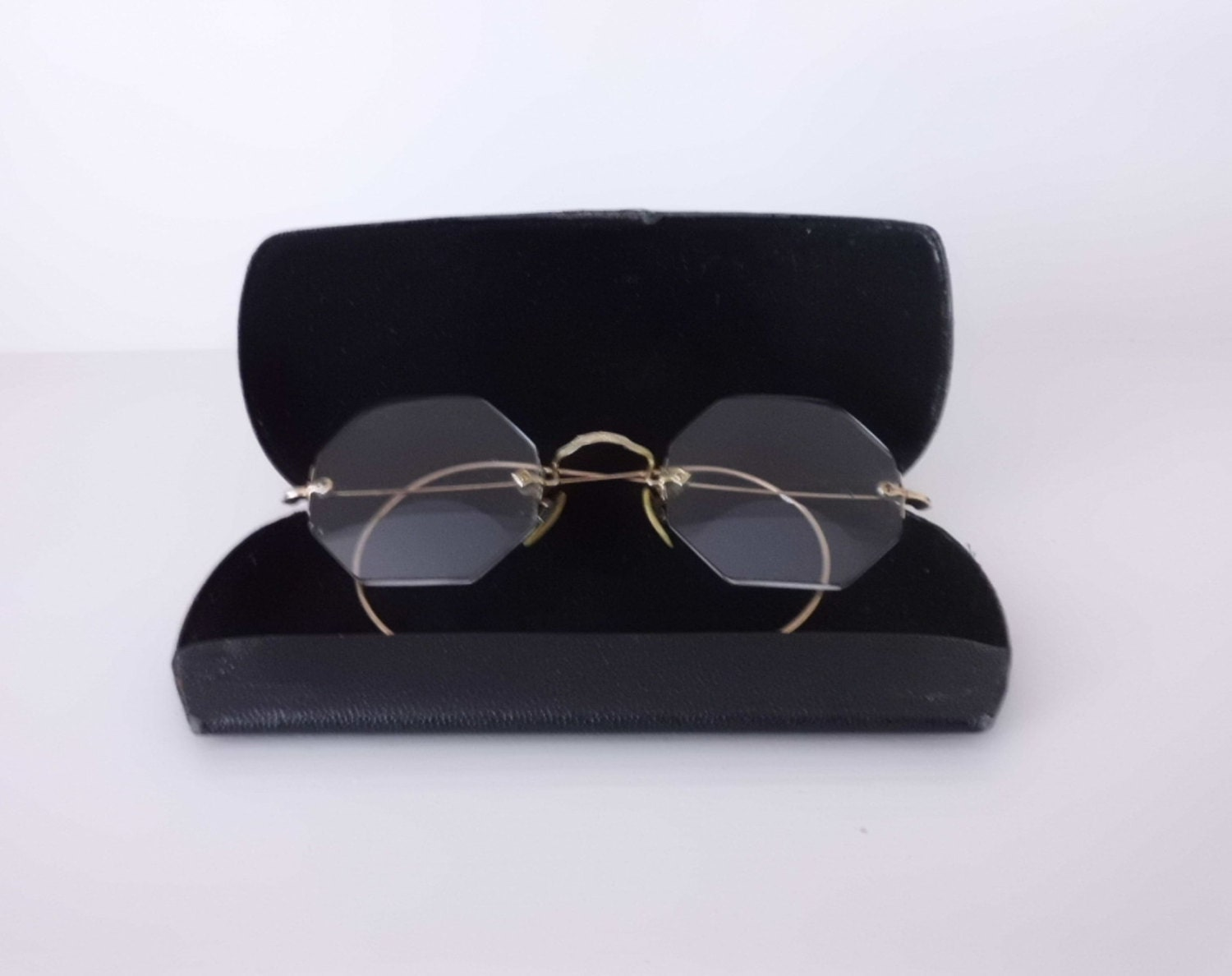 Frameless Vintage Glasses : Antique Glasses Frameless hexagonal bi-focal by GramzAttic