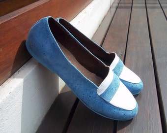 leather flat shoes / Handmade shoes in with and light blue leather / Ballet flats / model Anna