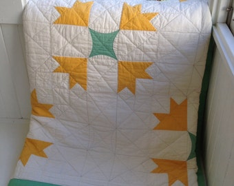 Vintage Handquilted American Quilt Aurora Colony