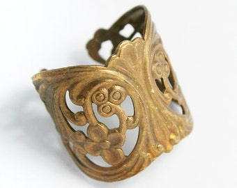 Sturdy Filigree Ring Blank with Art Nouveau Styling, Adjustable Ring Blank with Vintage Finish, Made in USA, #TB110V