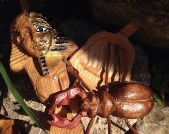 wood Tutankhamon miniature