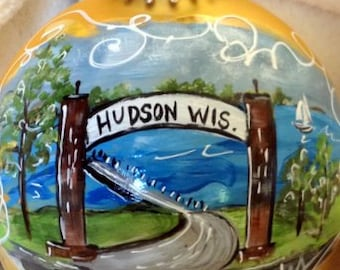 Hand Painted Ornaments by Les ~ Hudson,Wi  Arch ~ Original Ornament
