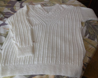 BEAUTIFUL SWEATER knitted woman hand - point cables and lace pattern