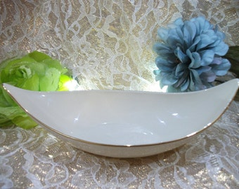 Vintage Lenox Ivory Colored Oblong Bowl with Gold Gild Trim – Beautiful!