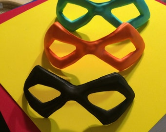 Foam Superhero Mask - Small Domino