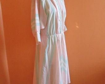 Vintage 1980s DRESS // Peach - Mint Green Chevron Stripes // Batwing Sleeves // Button Up // Fits Like Medium
