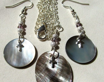 Demi Parure Sweetheart Set Mother of Pearl and Black Lip Oyster Shell