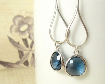 Silver Earrings / Indigo Petals, Navy Blue Gem Earrings, Dark Blue Gem Earrings, Bridesmaid Jewelry Earrings Gift