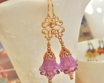 Vintage Style Earrings, Purple Earrings, Flower Earrings, Dangle Earrings, Gold Earrings, Violet Earrings, Beaded Earrings