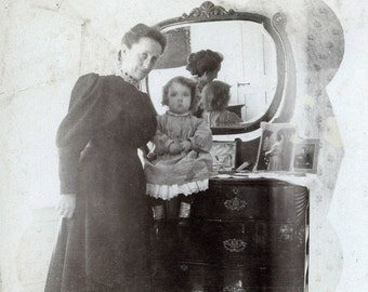 Vintage photo 1906 Mother & BAby Reflection of Back of Head in Mirror