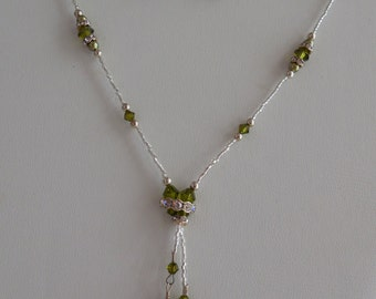 Simple Elegance Lariat Necklace in Olivine Green