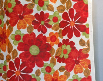 vintage linen fabric - 60s 70s - flower power - mod daisy - red orange green